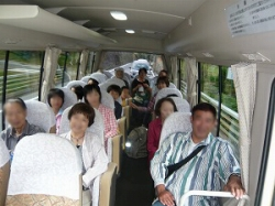 貸切バスでの移動も車酔い対策で楽しく!